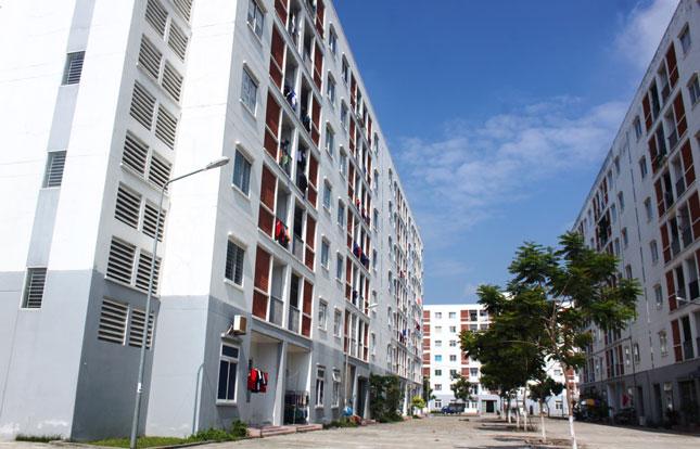 Đừng lầm tưởng mua chung cư là sở hữu mãi mãi vì hết niên hạn sử dụng có thể phải đập đi xây lại