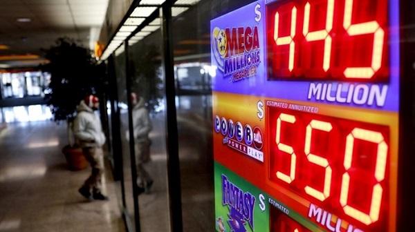 Cả nước Mỹ chờ đợi sự xuất hiện của chủ nhân giải độc đắc xổ số Mega Millions trị giá 37.000 tỷ đồng
