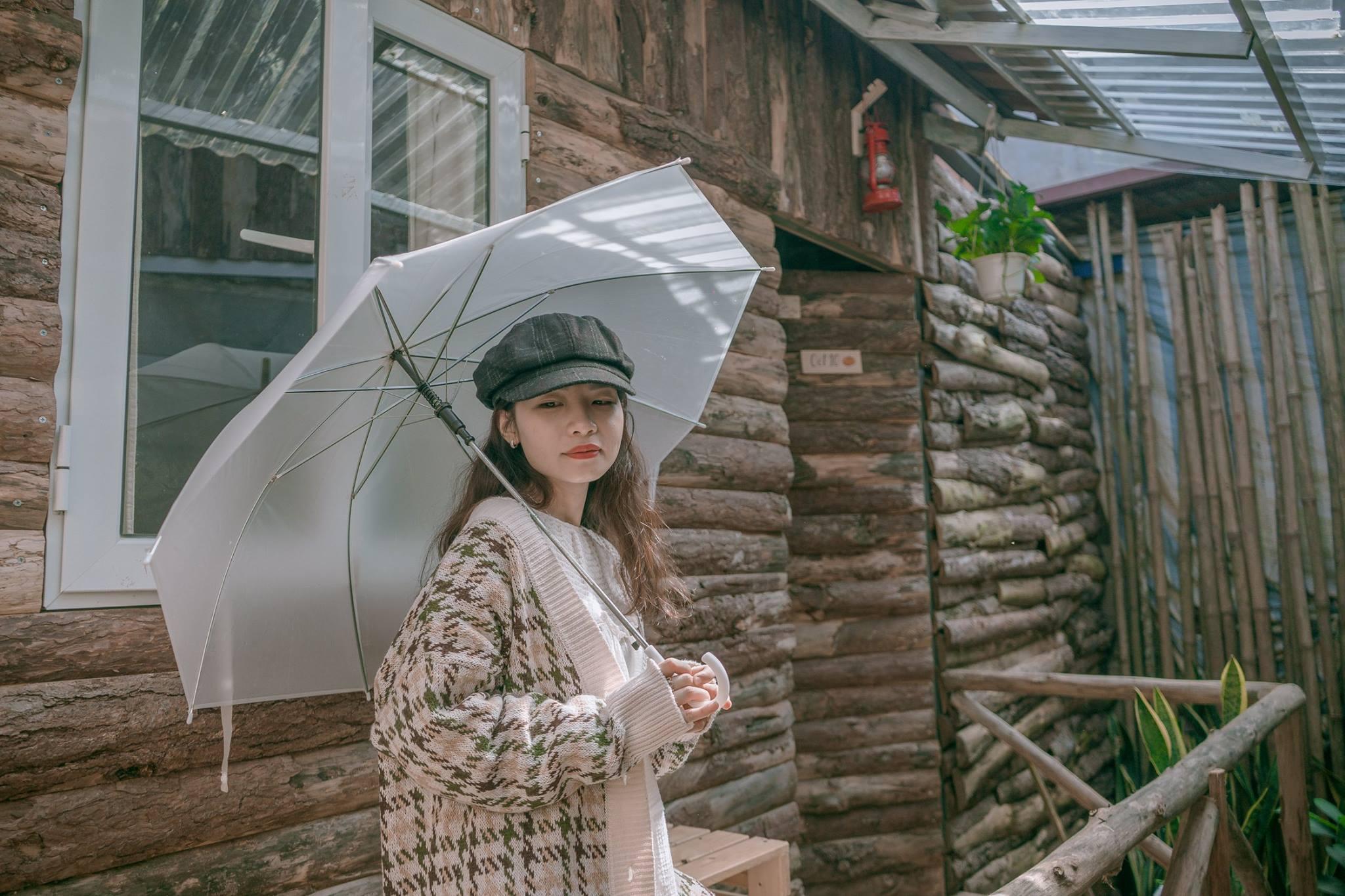 """Tọa độ """"sống ảo"""" hot nhất Mộc Châu gần đây chính là căn nhà gỗ bìa rừng mang tên """"Tháng Mười Một"""""""