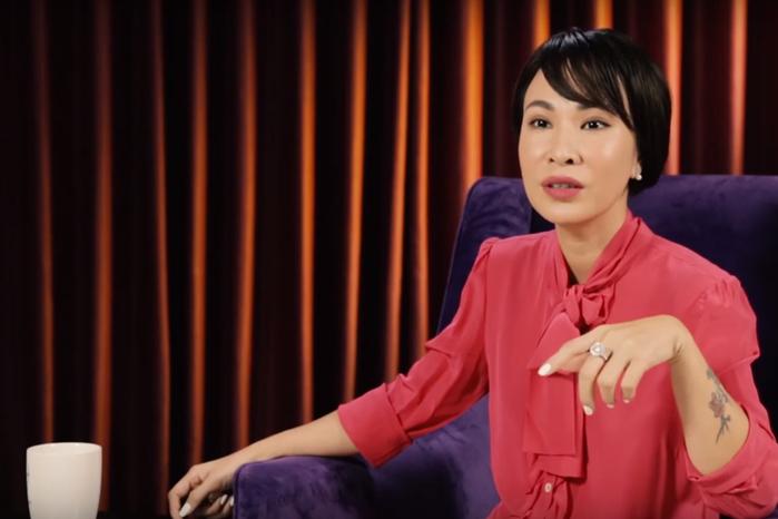 """Uyên Linh: """"Con gái đừng sợ ế, 22 – 23 tuổi lấy chồng là sai lầm, 30 tuổi mới là đẹp nhất"""""""