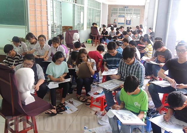 Đại học Kiến trúc TP HCM xét tuyển kết quả kỳ thi THPT Quốc gia kết hợp với môn thi năng khiếu