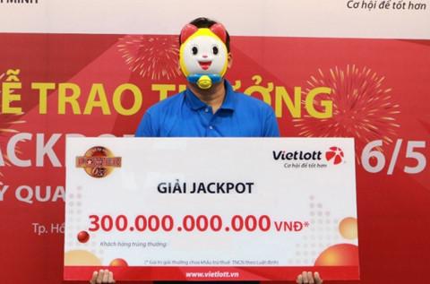 Giải độc đắc lớn nhất lịch sử xổ số Việt Nam trị giá hơn 300 tỷ đồng đã có chủ nhân