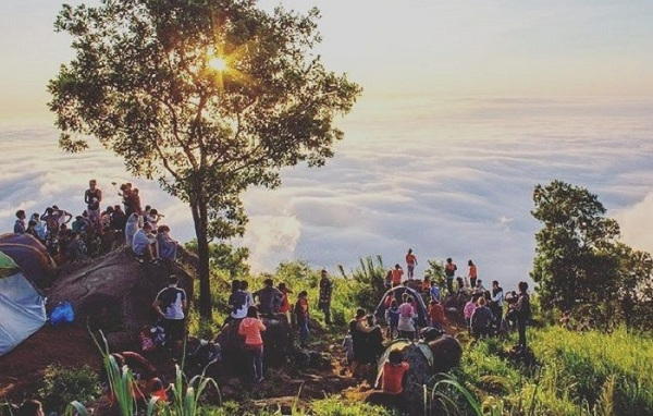 """Set kèo săn mây cực """"đỉnh"""" ngắm trọn hoàng hôn trên độ cao 1000 mét mà hoàn toàn """"free"""""""