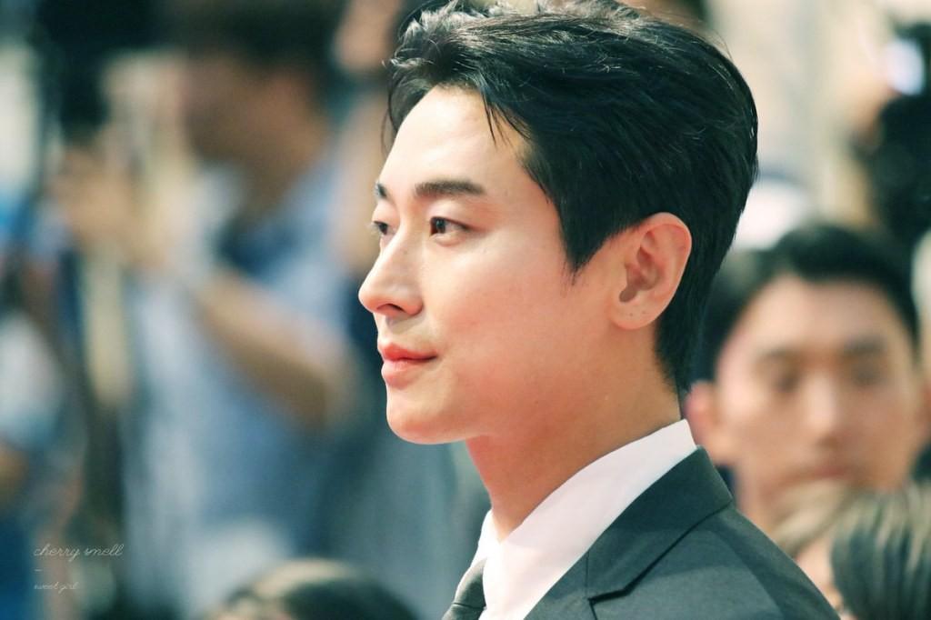 """Joo Ji Hoon - """"thái tử chân dài xứ Hàn"""": mặt đẹp như tượng tạc, mặc """"chất"""" hơn người mẫu"""
