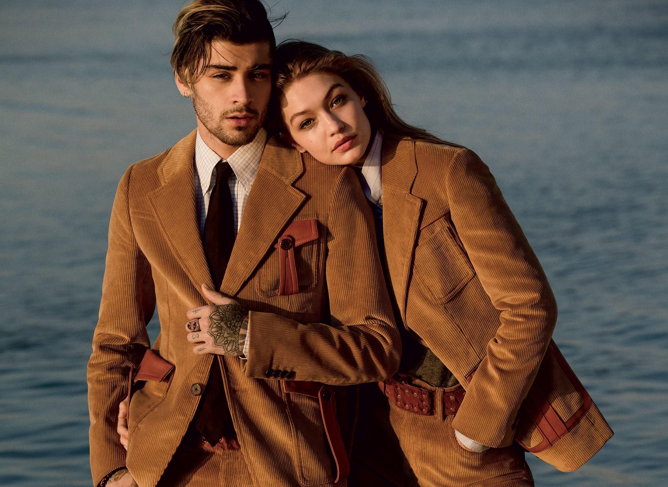 Cặp đôi đẹp không tì vết Gigi Hadid và Zayn Malik tình tứ trên bìa tạp chí Vogue