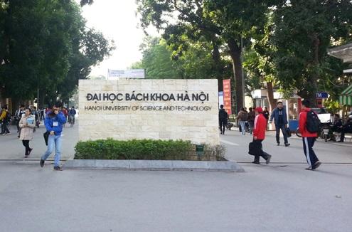 """Đại học Luật TP HCM """"ăn thua gì"""" so với Đại học Bách khoa Hà Nội: Mỗi năm """"đuổi"""" hơn 700 sinh viên"""