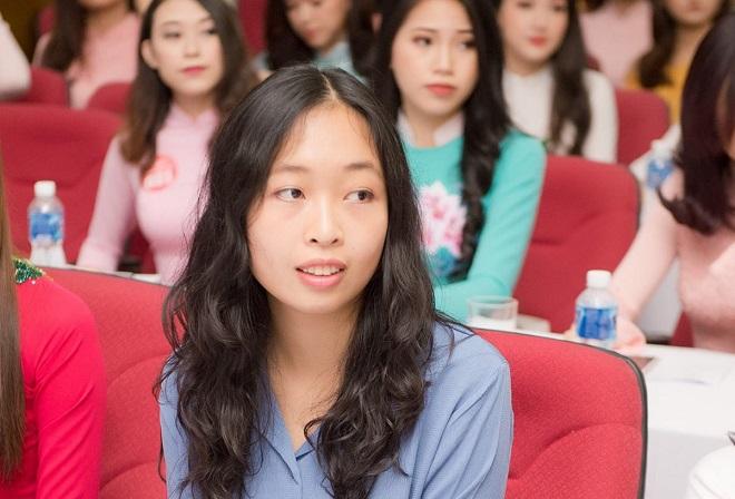 Đang học tiến sĩ Vật lý lượng tử tại Ý, nữ du học sinh này quyết định dự thi Hoa hậu Việt Nam 2018