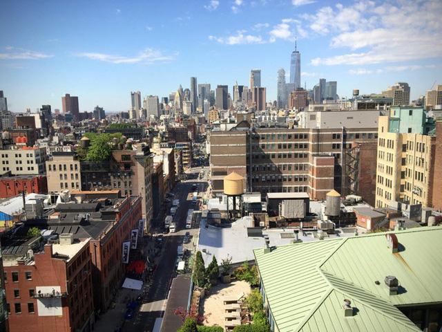 Đây là khung cảnh nhìn ra thành phố từ một trong các cửa sổ tại văn phòng của Instagram ở New York.