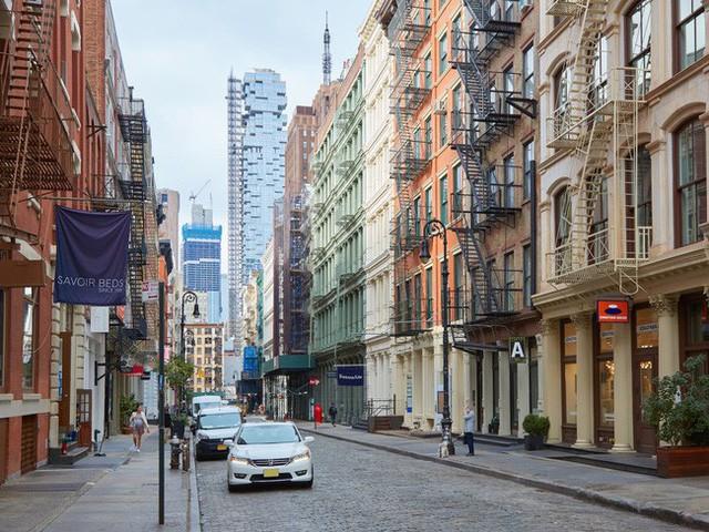 Căn penthouse với diện tích hơn 740 mét vuông của toà nhà thương mại 5 tầng 421 Broome tại khu vực SoHo, trung tâm Manhattan, New York, Mỹ đang được rao bán với giá 65 triệu USD.