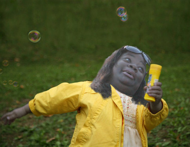 """""""Nhập"""" Chubby Bubbles, một nhân vật khác từng là """"con mồi"""" của các """"thánh"""" Photoshop."""