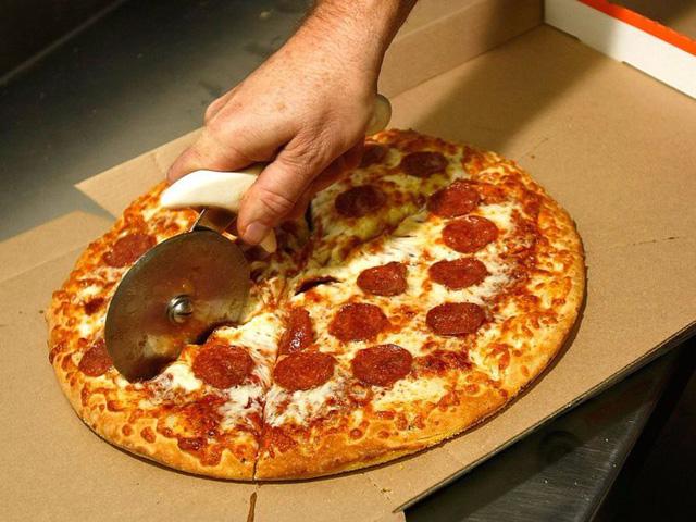 """Khi tổ chức một cuộc họp, Bezos sử dụng """"quy tắc 2 chiếc bánh pizza"""", tức là không bao giờ tổ chức một cuộc họp mà 2 chiếc pizza không đủ để chia cho tất cả những người tham dự. (Ảnh: Alex Wong/Getty Images)"""