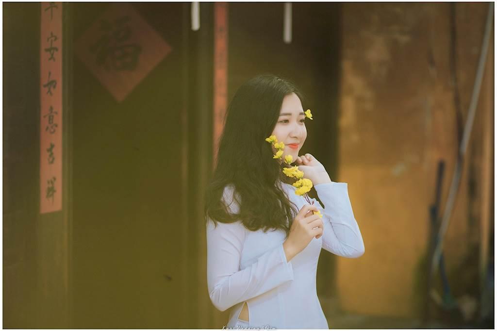 """Sau khi đăng tải trên mạng xã hội, những bức ảnh của 9x này đã gây """"bão mạng"""" vì ai cũng trầm trồ vì vẻ đẹp duyên dáng của cô gái quê Đà Nẵng."""
