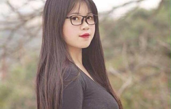 """Sở hữu vòng 1 lớn hơn cả Elly Trần, nữ sinh Hải Dương bị hội """"màn hình phẳng"""" GATO trêu chọc"""