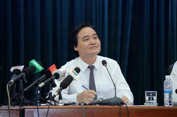 Bộ trưởng Bộ GD&ĐT Phùng Xuân Nhạ: Sẽ giảm chỉ tiêu và dừng tuyển sinh những ngành xã hội không cần