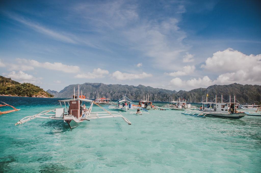 """Đảo Coron - Thiên đường nhiệt đới """"đốn tim"""" bạn với rừng xanh bên biển lặng"""