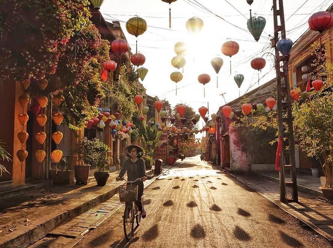 """Trung thu này nhất định phải """"lạc lối"""" ở xứ sở của những chiếc đèn lồng đẹp nhất nhì Việt Nam mang tên: Phố cổ Hội An"""