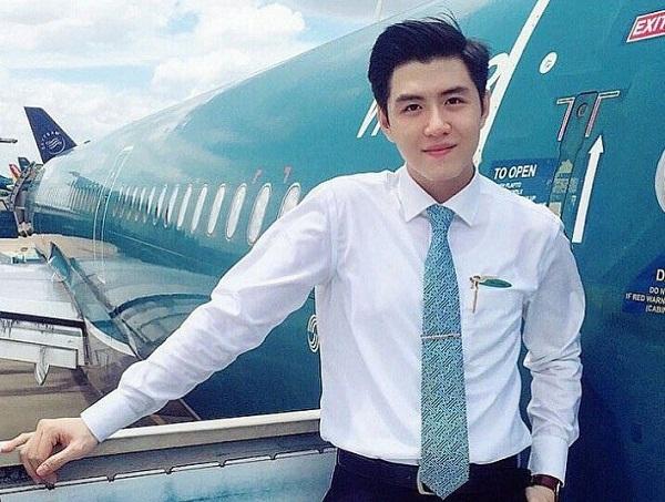 """Nổi tiếng chỉ sau một đêm vì quá đẹp trai, """"hot boy hàng không"""" hãng Vietnam Airlines khốn đốn vì bị hack Facebook"""