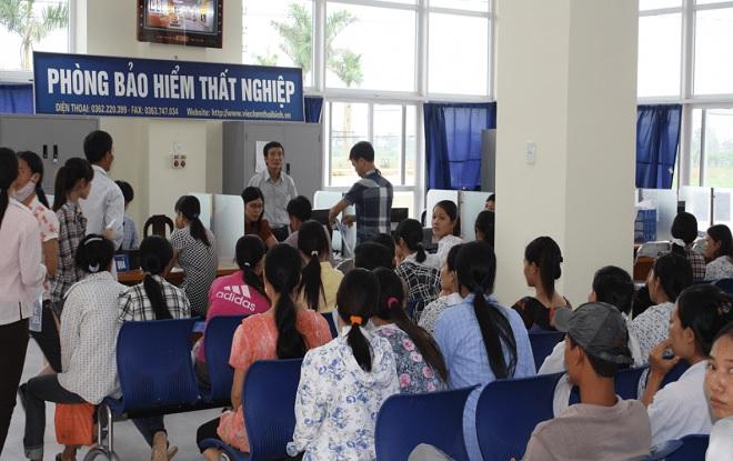 Gần 127.000 người Việt Nam có trình độ đại học trở lên thất nghiệp, vẫn là tín hiệu đáng mừng