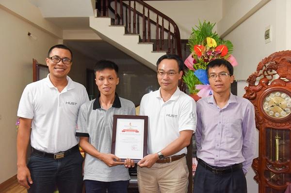 Thủ khoa khối A quốc gia 2018 được trường ĐH Bách khoa Hà Nội trao học bổng
