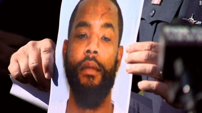 Chưa hết ám ảnh vụ nổ súng Las Vegas làm 58 người chết, người Mỹ lại hứng chịu thêm một vụ xả súng nữa