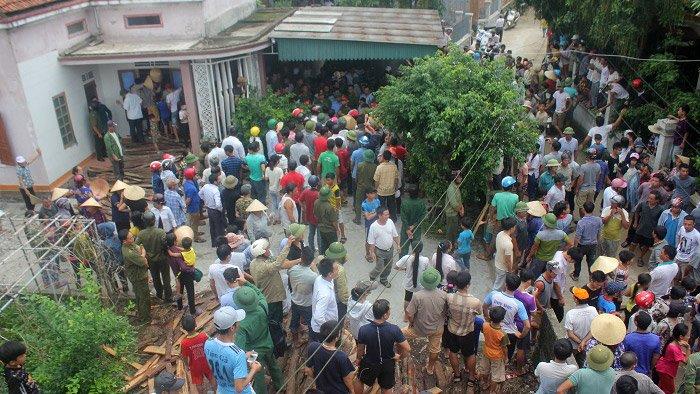 Cả làng vây chặt người phụ nữ bắt cóc trẻ em, công an vào cuộc và cái kết