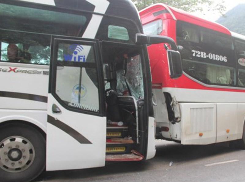 CSGT Lâm Đồng khẳng định không có chuyện xe khách giường nằm đỡ nhau đổ đèo