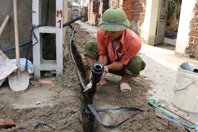 Lại chuyện nước sạch vào tận nhà mà không được dùng ngay giữa thủ đô Hà Nội
