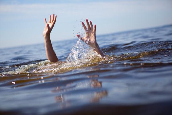 Phát hiện thi thể bé trai hơn 2 tuổi trôi trên sông sau 1 ngày mất tích