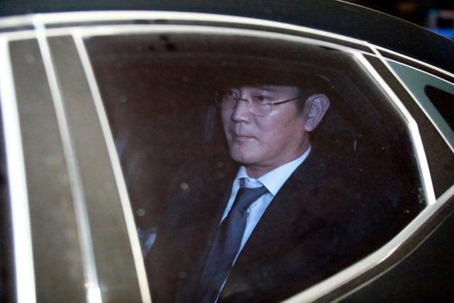 Tập đoàn Samsung có nguy cơ điêu đứng khi người đứng đầu bị bắt