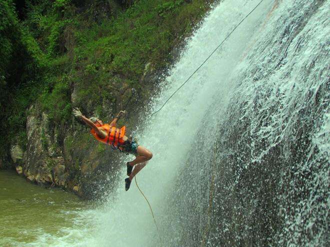 Cảm giác thả mình theo những con thác không gì tuyệt hơn
