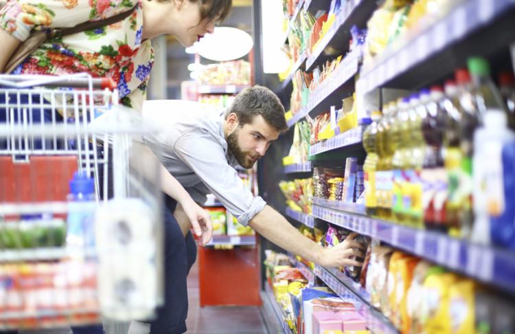 Bản lĩnh đàn ông có cả trong việc… đi chợ