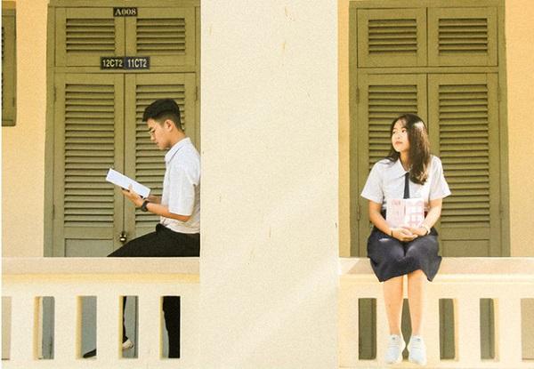 Chuyện tình đẹp như một thước phim của chàng trai chuyên Lý và cô nàng chuyên Văn trường THPT Chuyên Lê Hồng Phong