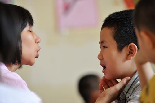 """Lý do sửa ngọng """"l,n"""" trong trường học ở ngoại thành Hà Nội và những kết quả ban đầu"""