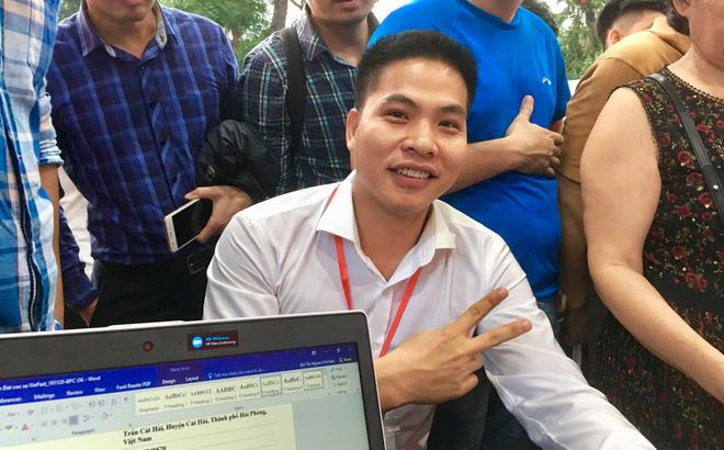 Khách hàng đầu tiên đặt mua xe SUV của VinFast ngay trong buổi ra mắt ô tô thương hiệu Việt