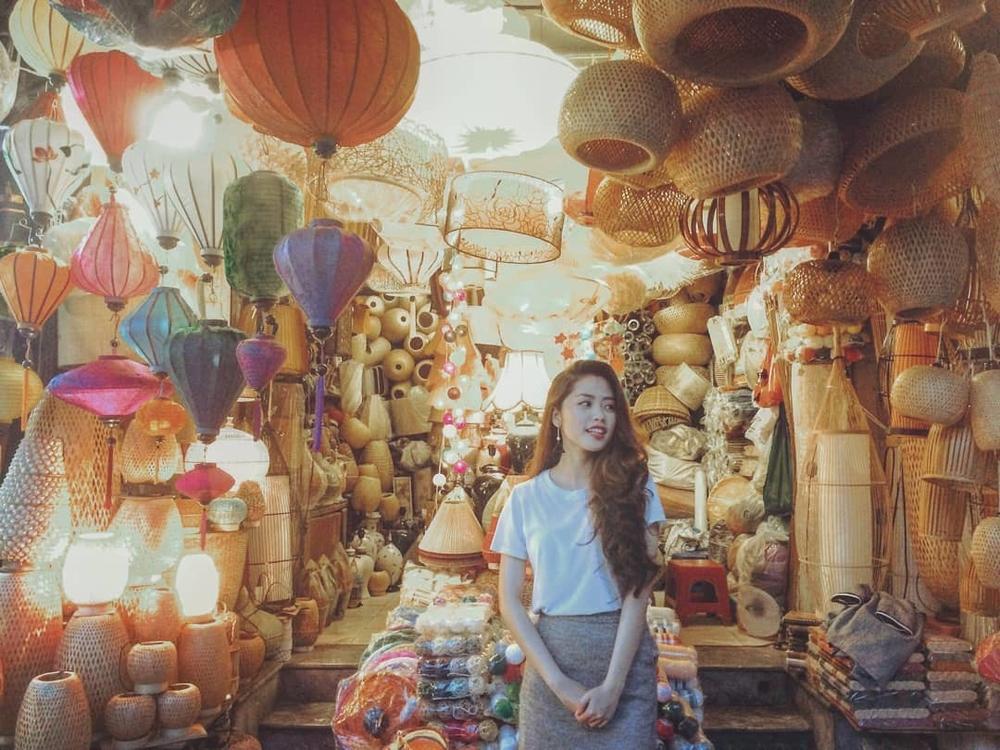 Lạc bước giữa 6 khu chợ đêm nổi tiếng của Việt Nam, lung linh có kém gì Thái Lan