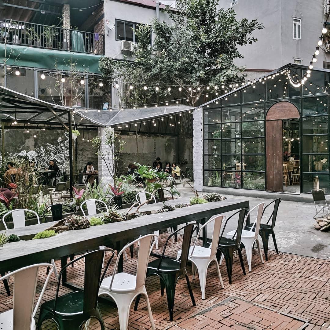 """Ẩn mình trong quán café như """"vườn treo babylon"""" thu nhỏ giữa lòng Hà Nội"""