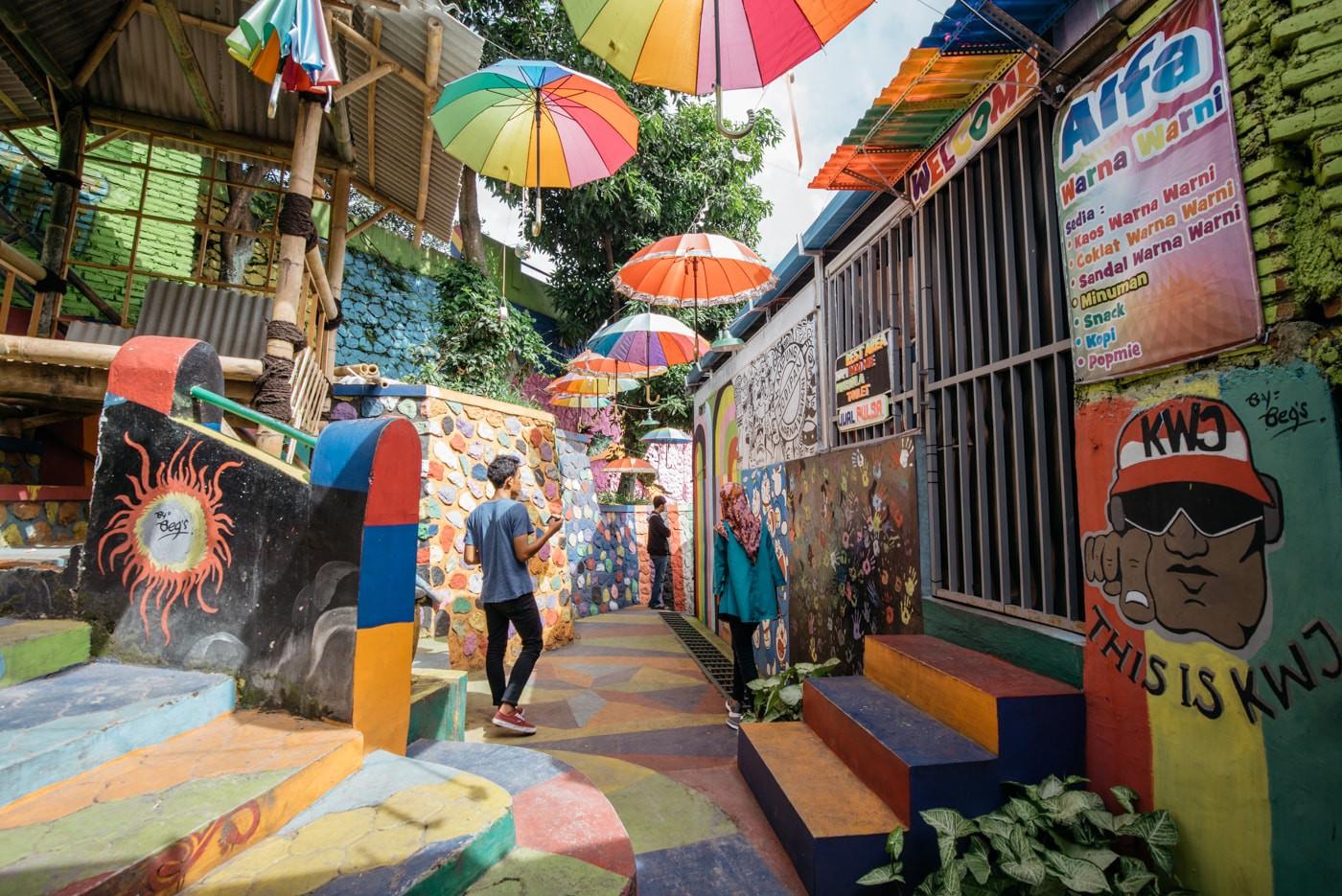 Kampung Jodipan - hành trình từ khu ổ chuột tới ngôi làng rực rỡ nhất Malang (Indonesia)