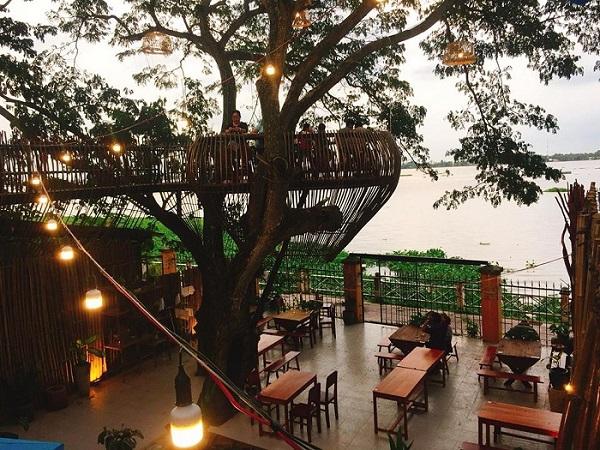"""Xuất hiện """"quán cafe trên cây"""" giữa lòng Nha Trang đang khiến hội chị em rần rật sống ảo"""