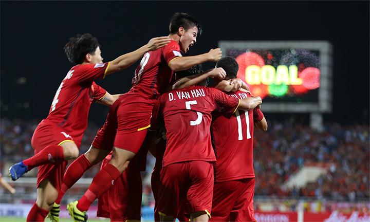 Đương kim vô địch thế giới bại trận, ĐT Việt Nam bất ngờ trở thành đội bóng có mạch bất bại dài nhất thế giới