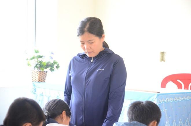 Lớp trưởng của nam sinh bị tát 231 cái nói lớp có 9 - 10 em bị tát như vậy, CĐM đòi xử lý hình sự giáo viên vi phạm