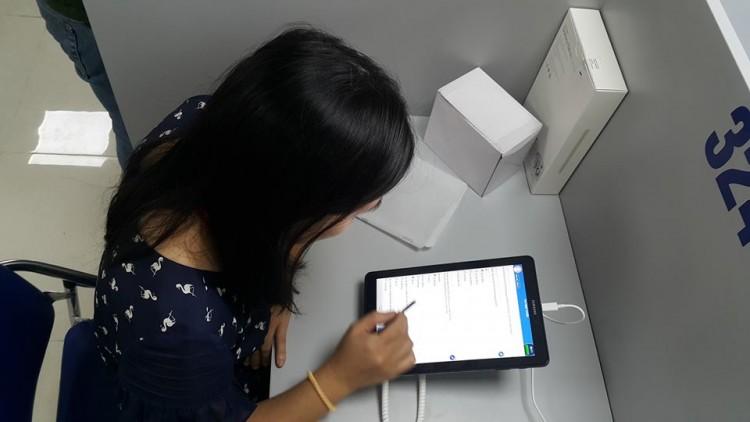 Đại học Y Hà Nội là trường đầu tiên tại Việt Nam tổ chức thi học kỳ trên máy tính bảng