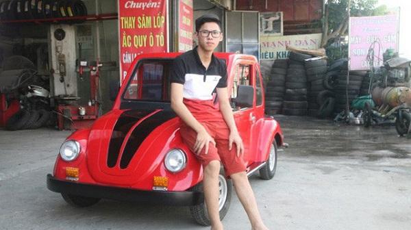 """Nam sinh Nam Định """"chế tạo"""" ra chiếc ô tô điện mini chạy bằng năng lượng mặt trời"""