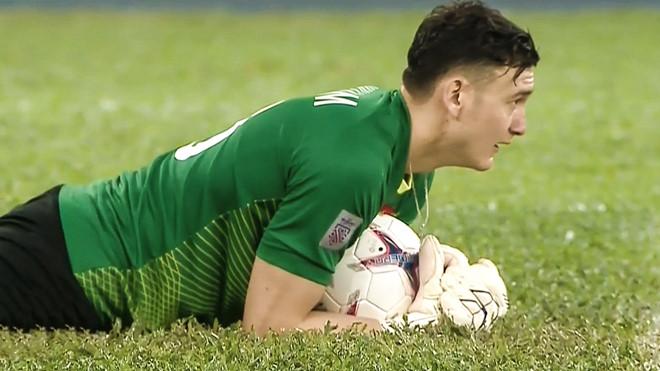 Nghi vấn Lâm Tây đã vi phạm luật thi đấu trong trận chung kết lượt đi AFF Cup 2018 chỉ với một chi tiết này