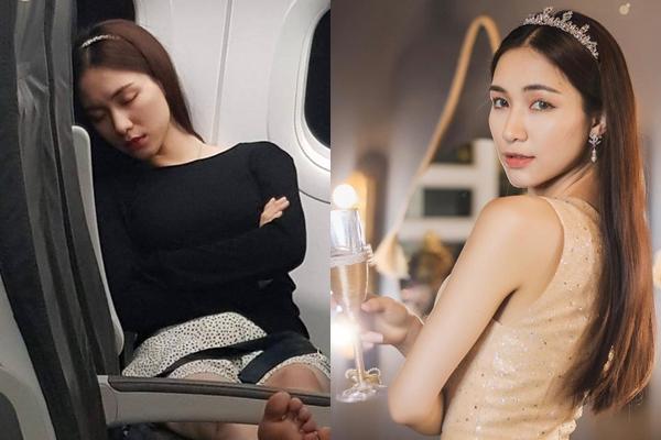 """Bị fan bóng đá """"réo tên"""" suốt cả đêm, Hoà Minzy lộ ảnh """"mặt mộc"""" mệt mỏi ngủ gục trên máy bay, nhưng dáng nằm thì """"duyên hết sức"""""""
