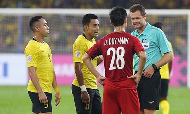 Malaysia khó có thể hòa ĐT Việt Nam nếu không phải ông trọng tài Úc bắt trận chung kết lượt đi AFF Cup 2018