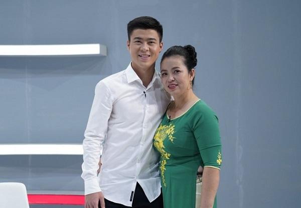 Mẹ của trung vệ Duy Mạnh đoán đúng kết quả 6 trận đấu của ĐT Việt Nam tại AFF Cup 2018