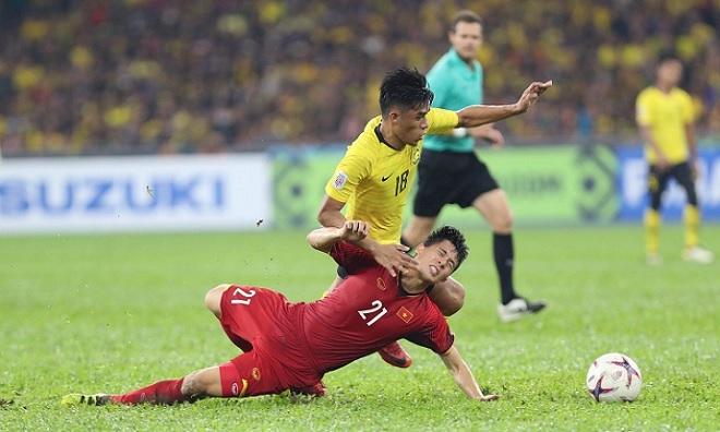 Sau ngôi vô địch AFF Cup, Đình Trọng có nguy cơ phải nghỉ Asian Cup để sang Hàn Quốc điều trị chấn thương