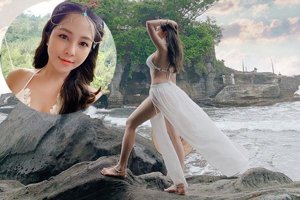 """Thả dáng bên bờ biển Bali, """"hotgirl World Cup"""" Trâm Anh """"đốt mắt"""" dân mạng bằng body cực kì quyến rũ"""