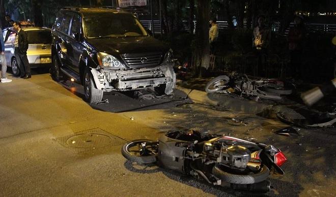Nữ tài xế Lexus tông 9 xe trên đường phố Hà Nội có nồng độ cồn vượt mức quy định