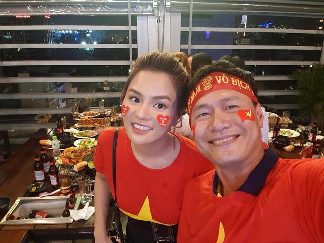 Doanh nhân thành đạt mang dòng máu hoàng gia Campuchia, có vợ là cựu siêu mẫu đình đám